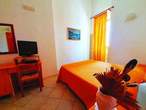 Hotel nel centro storico di Vieste sul Gargano - Hotel Punta San Francesco - camera - 02