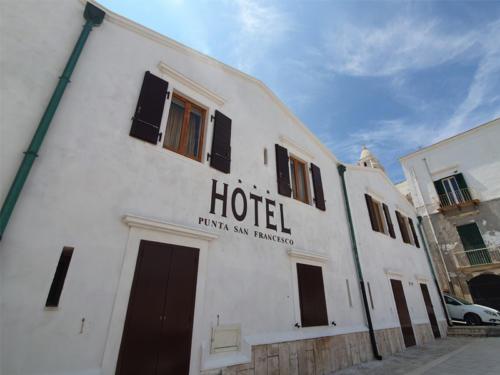 Hotel nel centro storico di Vieste sul Gargano - Hotel Punta San Francesco - esterni