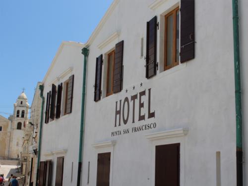 Hotel nel centro storico di Vieste sul Gargano - Hotel Punta San Francesco - esterni - 05