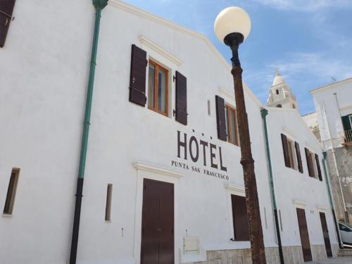 Hotel nel centro storico di Vieste sul Gargano - Hotel Punta San Francesco - esterni - 07