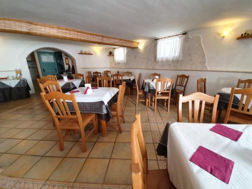 Hotel nel centro storico di Vieste sul Gargano - Hotel Punta San Francesco - sala colazioni - 02