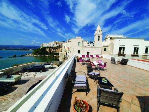 Hotel nel centro storico di Vieste sul Gargano - Hotel Punta San Francesco - solarium - 02